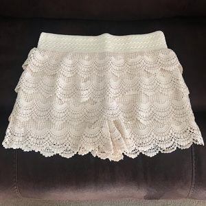 Pants - Crochet cream shorts